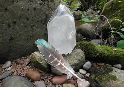 In this workshop you learn how you can tune into crystals and work with them